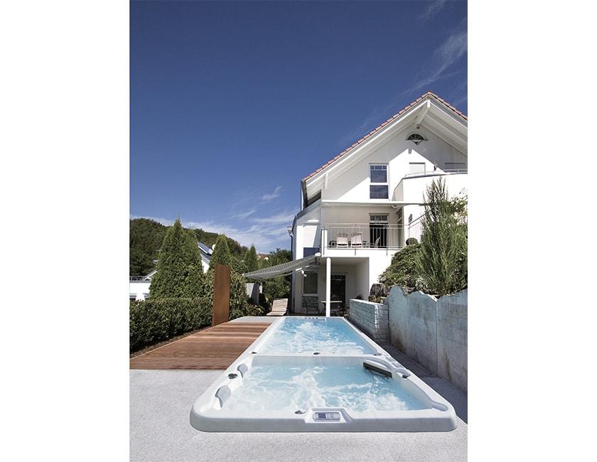 Spa de nage ou piscine ? Que choisir ?
