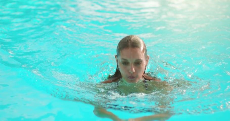 femme spa de nage